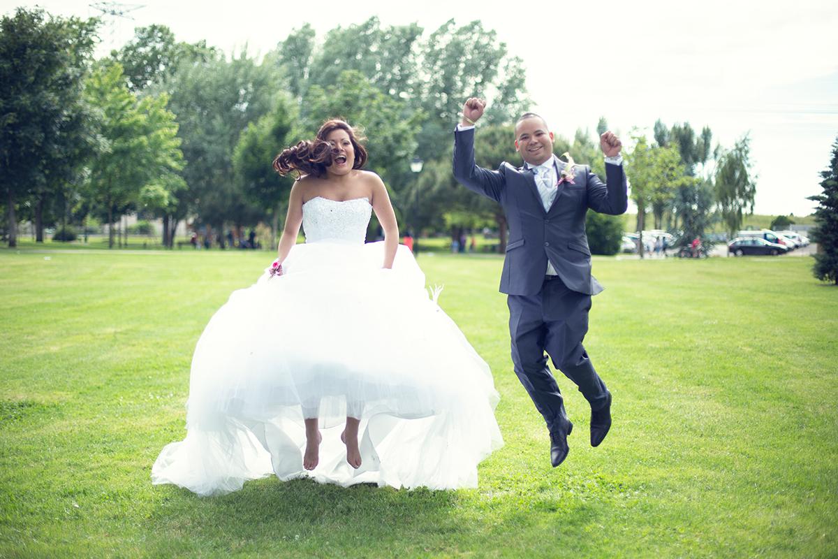 Extrêmement Photos couple mariage 1et1font2 KU99